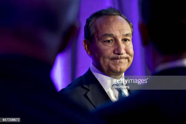 Oscar Munoz chief executive officer of United Continental Holdings Inc pauses while speaking to members of the media after a discussion at the US...