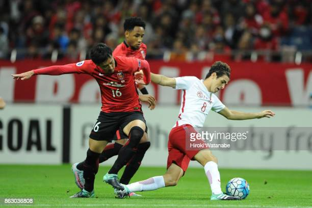 Oscar of Shanghai SIPG in action during the AFC Champions League semi final second leg match between Urawa Red Diamonds and Shanghai SIPG at Saitama...