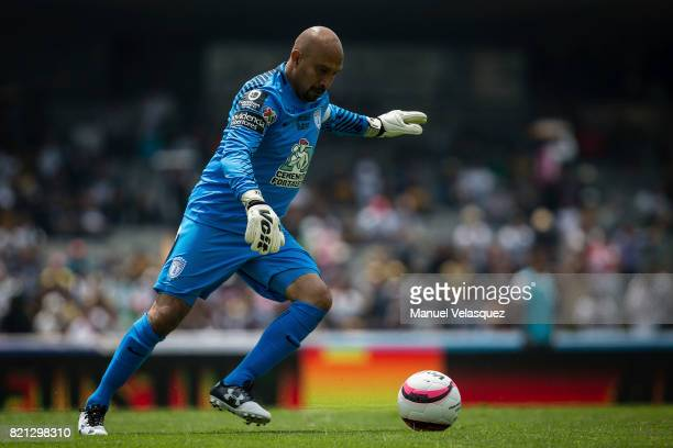 Oscar Perez goalkeeper of Pachuca kicks the ball during the 1st round match between Pumas UNAM and Pachuca as part of the Torneo Apertura 2017 Liga...