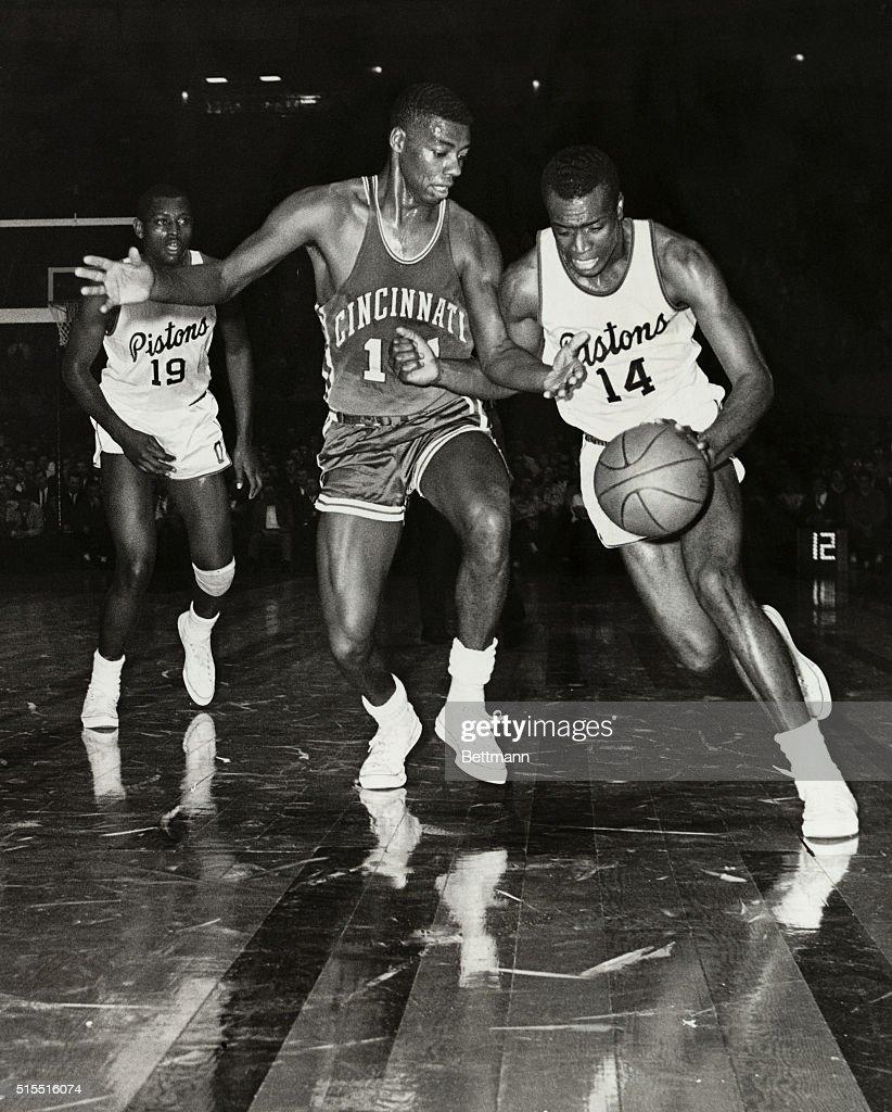 Oscar Robertson in Basketball Action