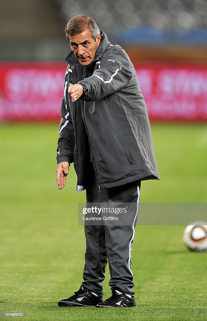 Oscar Tabarez head coach of Uruguay conducts a Uruguay training session ahead of the 2010 FIFA World Cup South Africa at Green Point stadium on June 10, 2010 in Cape Town, South Africa.