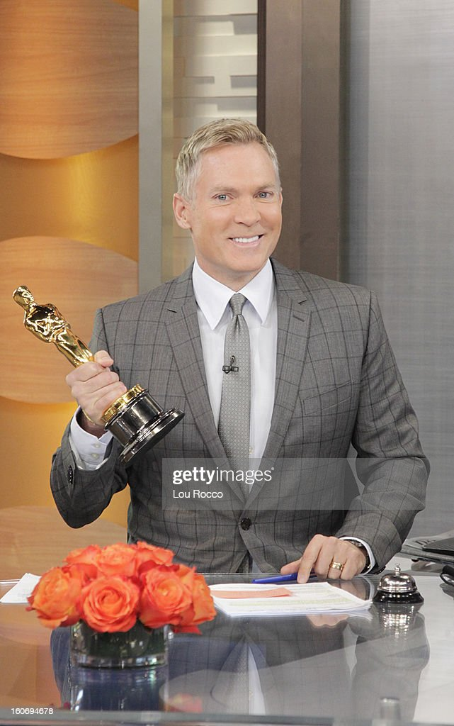 AMERICA - Oscar visits 'Good Morning America,' 2/4/13, airing on the ABC Television Network. The Oscar appears courtesy of ©AMPAS. (Photo by Lou Rocco/ABC via Getty Images) SAM