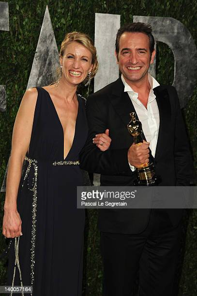 Oscar winner Jean Dujardin poses with Alexandra Lamy during the Vanity Fair Oscar Party Hosted By Graydon Carter at Sunset Tower on February 26 2012...