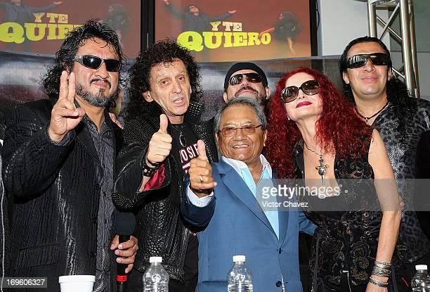 Oscar Zarate singer Alex Lora of El Tri composer Armando Manzanero and Chela Lora attend a press conference to promote the new album 'Ojo Por Ojo' at...