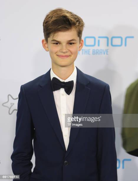 Oskar attends the Webvideopreis Deutschland 2017 at ISS Dome on June 1 2017 in Duesseldorf Germany