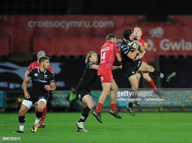 Ospreys' Dan Evans in action during todays match during the Guinness Pro14 Round 6 match between Ospreys and Scarlets at Liberty Stadium on October 7...