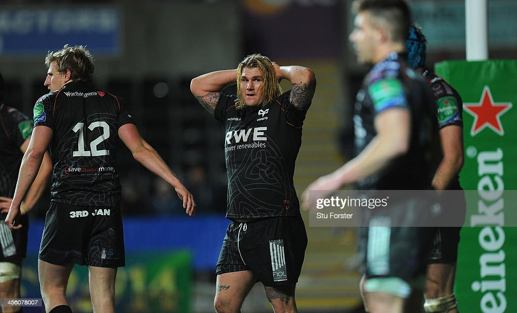 Ospreys hooker <a gi-track='captionPersonalityLinkClicked' href=/galleries/search?phrase=Richard+Hibbard&family=editorial&specificpeople=4313527 ng-click='$event.stopPropagation()'>Richard Hibbard</a> (c) reacts during the Heineken Cup pool 1 round 4 match between Ospreys and Castres Olympique at Liberty Stadium on December 13, 2013 in Swansea, Wales.