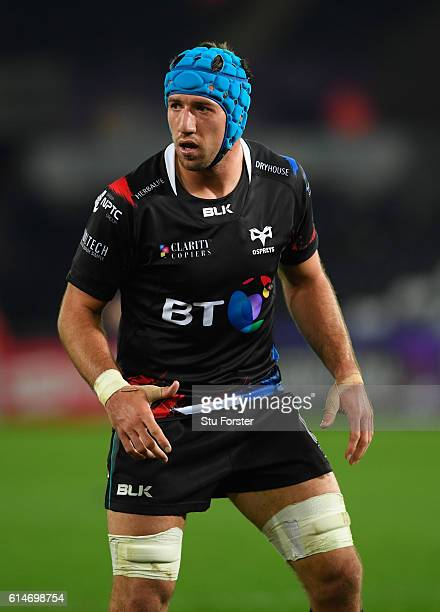 Ospreys player Justin Tipuric in action during the European Rugby Challenge Cup match Ospreys and Newcastle Falcons at The Liberty Stadium on October...