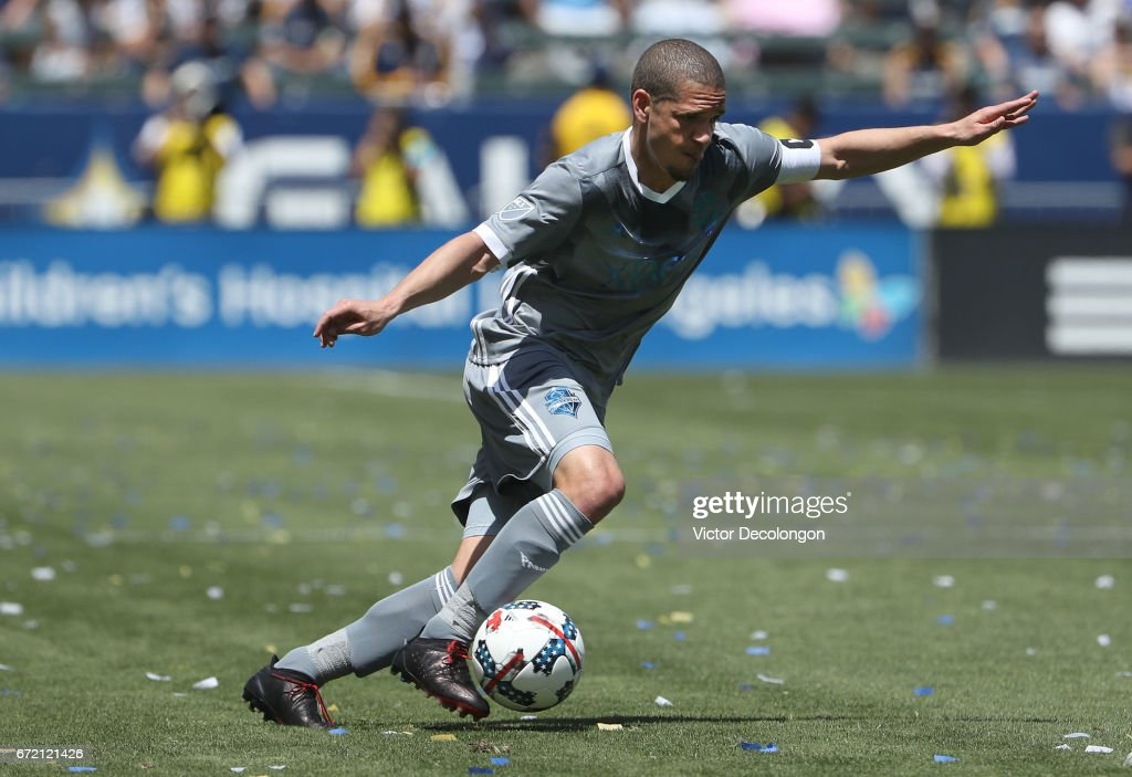 Osvaldo Alonso #6 of Seattle Sounders controls the ball during the MLS match against the Los Angeles Galaxy at StubHub Center on April 23, 2017 in Carson, California. The Sounders FC defeated the Galaxy 3-0.