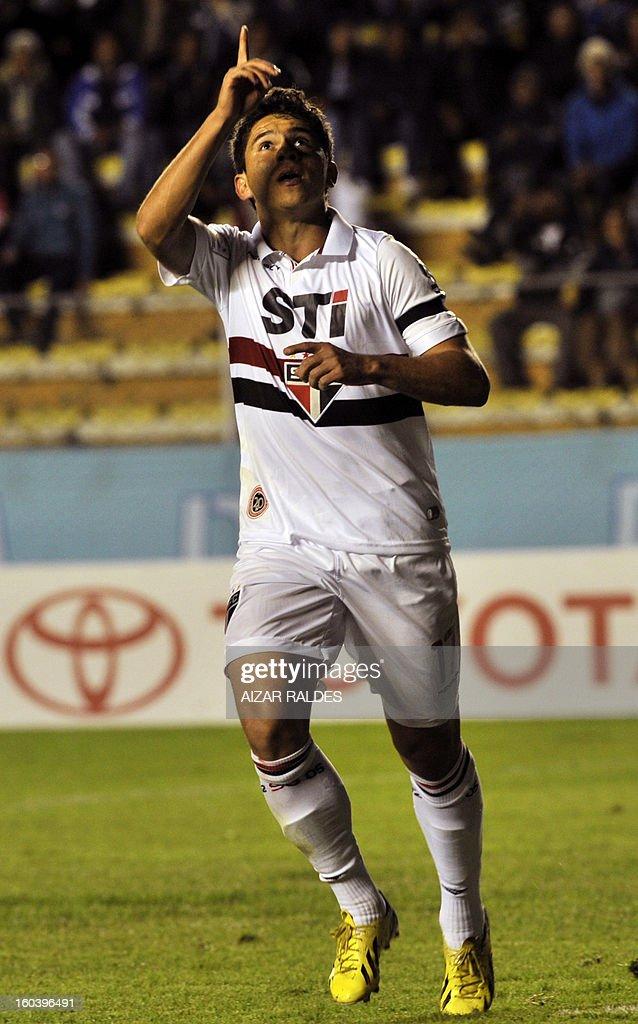 Osvaldo of Brazil's Sao Paulo celebrates after scoring against Bolivia's Bolivar during their Copa Libertadores match at Hernando Siles stadium in La Paz, Bolivia, on January 30, 2013. AFP PHOTO/Aizar Raldes