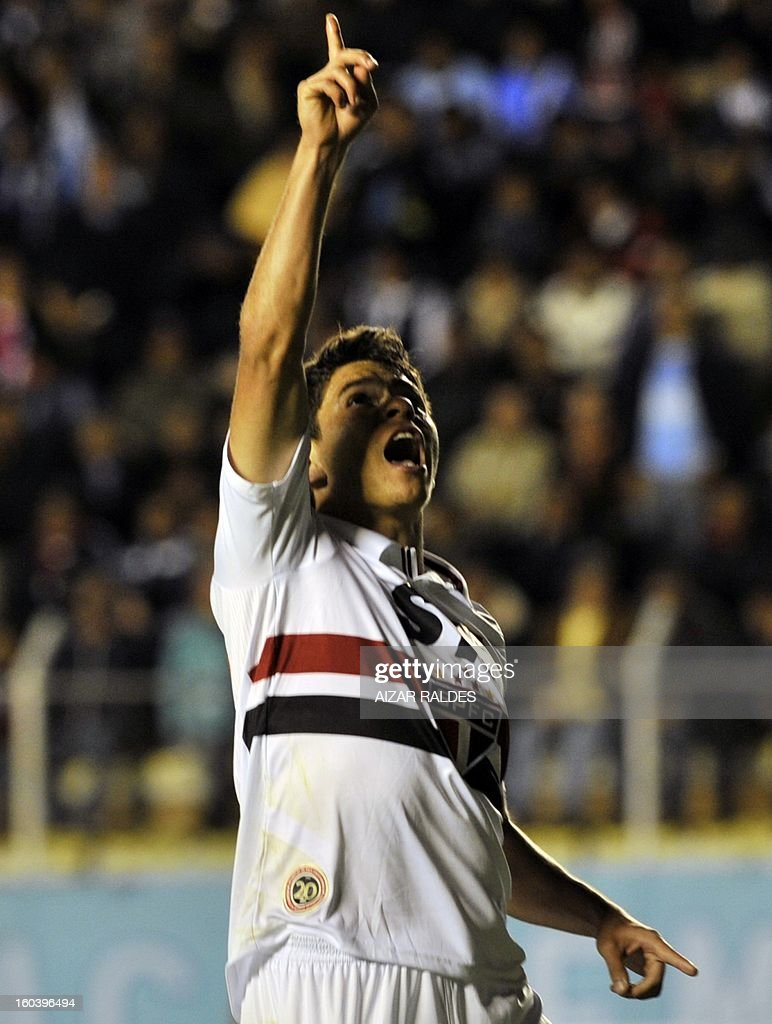 Osvaldo of Brazil's Sao Paulo celebrates after scoring against Bolivia's Bolivar during their Copa Libertadores match at Hernando Siles stadium in La Paz, Bolivia, on January 30, 2013. AFP PHOTO/Aizar Raldes