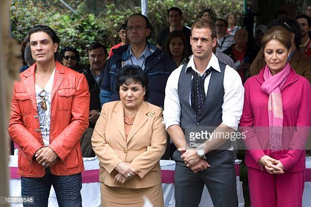 Osvaldo Rios Carmen Salinas William Levy and Victoria Ruffo pose for a photo during the beginning of the recordings of the soap opera El Triunfo del...