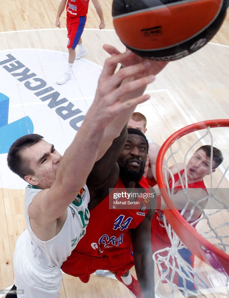 Othello Hunter, #44 of CSKA Moscow competes with Gytis Masiulis, #20 of Zalgiris Kaunas in action during the 2017/2018 Turkish Airlines EuroLeague Regular Season Round 5 game between CSKA Moscow and Zalgiris Kaunas at Megasport Arena on November 3, 2017 in Moscow, Russia.