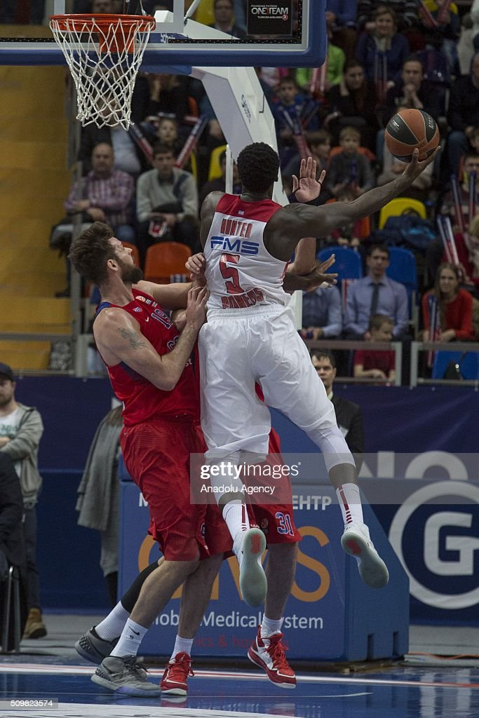 Othello Hunter #5 of Olympiacos Piraeus in action against Joel Freeland #19 of CSKA Moscow during the Turkish Airlines Euroleague Basketball Top 16 Round 7 game between CSKA Moscow v Olympiacos Piraeus at Megasport Arena on February 12, 2016 in Moscow, Russia.