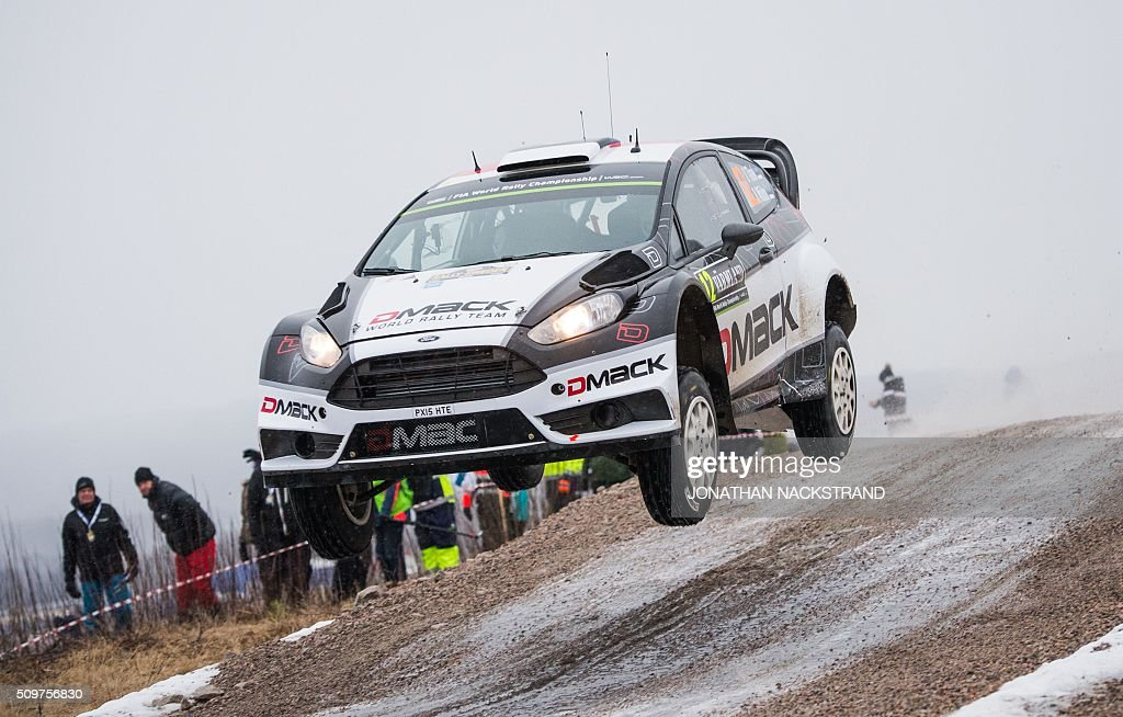 Ott Tanak of Estonia and his co-driver Raigo Molder steer their Ford Fiesta RS WRC during the 2nd stage of the Rally Sweden, second round of the FIA World Rally Championship on February 12, 2016 in Torsby, Sweden. / AFP / JONATHAN NACKSTRAND