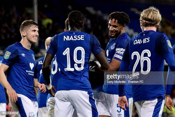 Oumar Niasse celebrates his goal with Ashley Williams during the Carabao Cup Third Round match between Everton and Sunderland at Goodison Park on...