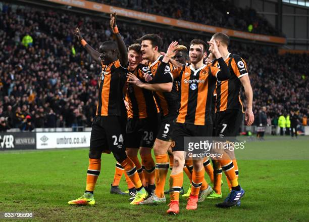 Oumar Niasse of Hull City celebrates scoring his sides second goal with his Hull City team mates during the Premier League match between Hull City...