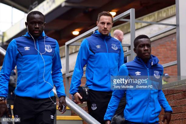 Oumar Niasse Phil Jagielka and Idrissa Gueye of Everton arrive for the Premier League match between Crystal Palace and Everton at the Selhurst Park...