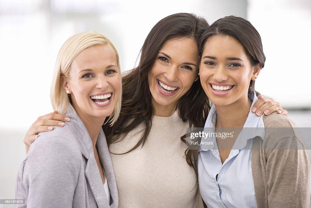 O sucesso está enraizado na nossa amizade! : Foto de stock