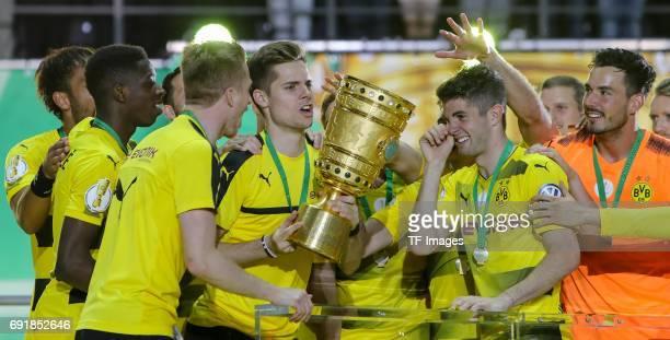 Ousmane Dembele of Dortmund Andre Schuerrle of Dortmund Julian Weigl of Dortmund Christian Pulisic of Dortmund and Goalkeeper Roman Buerki of...