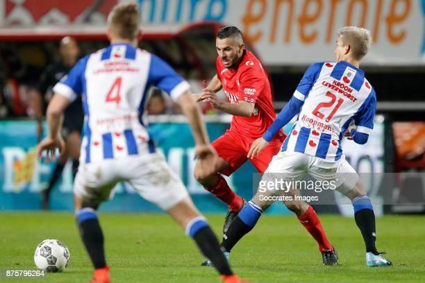 Oussama Assaidi of FC Twente Yuki Kobayashi of SC Heerenveen during the Dutch Eredivisie match between Fc Twente v SC Heerenveen at the De Grolsch...