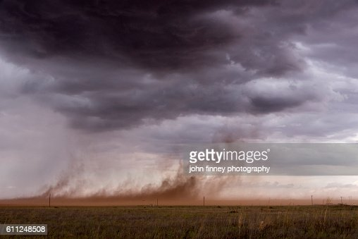 Out flow from a thunder storm. Strong winds whip up dust in the Texas pan handle. Texas, USA