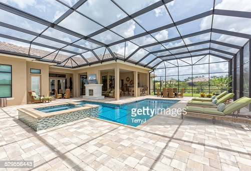 Outdoor Dining and Swimming Pool