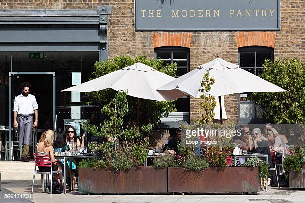 Outdoor dining at The Modern Pantry cafe