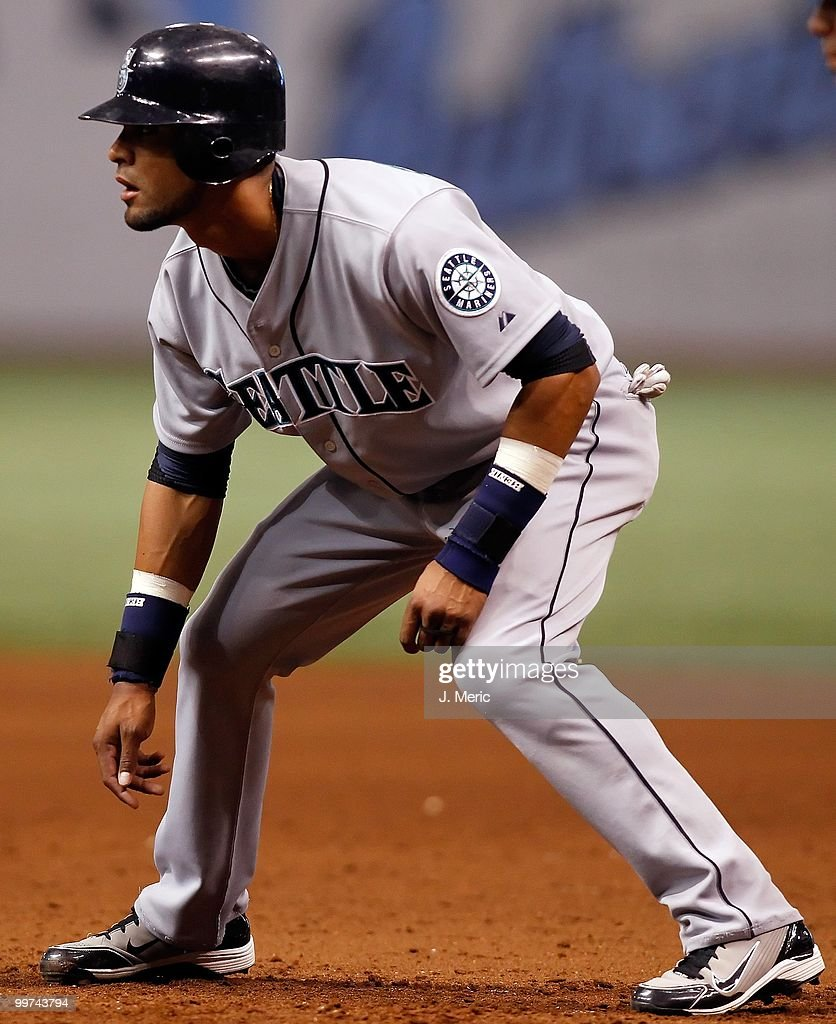 Outfielder Franklin Gutierrez #21 of the Seattle Mariners takes a lead against the Tampa Bay Rays during the game at Tropicana Field on May 14, 2010 in St. Petersburg, Florida.