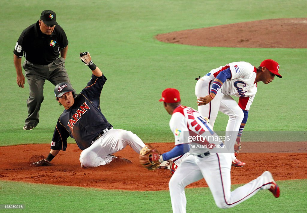 Outfielder Yoshihisa Chono #34 of Japan steals a second base at the top of third inning during the World Baseball Classic First Round Group A game between Japan and Cuba at Fukuoka Yahoo! Japan Dome on March 6, 2013 in Fukuoka, Japan.