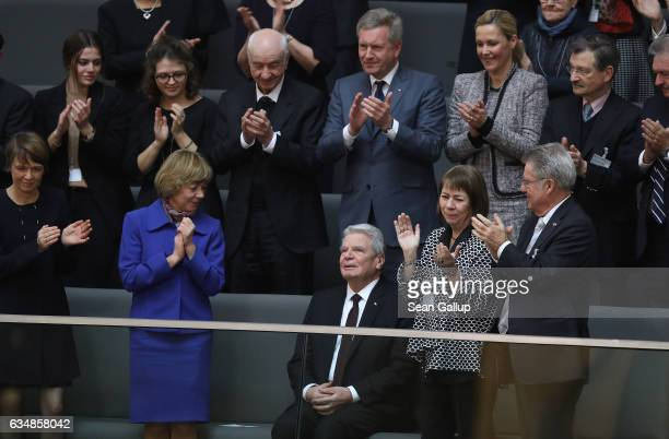 Outgoing German President Joachim Gauck recieves a standing ovation from First Lady Daniela Schadt former President Christian Wulff and Wulff's wife...