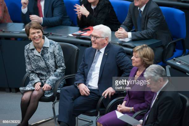 Outgoing President Joachim Gauck and his partner Daniela Schadt new German President FrankWalter Steinmeier and his wife Elke Buedenbender attend the...