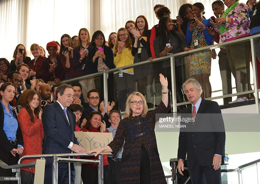 Outgoing US Secretary of State Hillary Clinton waves after speaking to State Department employees on February 1, 2013 in Washington, DC. Clinton bid a final farewell to her staff Friday, but her last day was marred by a suicide bomber blew himself up at the US embassy in Ankara. AFP PHOTO/Mandel NGAN