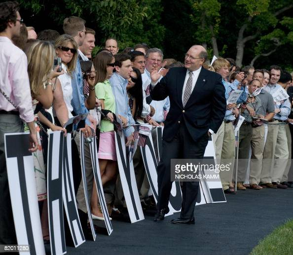 Outgoing US White House Deputy Chief of Staff Joe Hagin greets wellwishers who came to bid him farewell as he arrived aboard presidential helicopter...