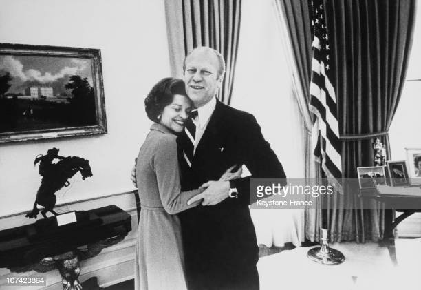 Oval Office American President Gerald Ford And His Wife At White House In Washington On June 1947
