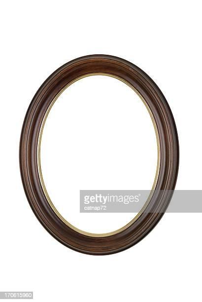 Cornice ovale arrotondata in marrone, bianco isolato Fotografia da Studio
