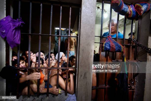 Overcrowded cell in a Police station in Quezon City