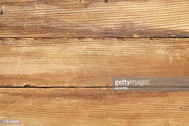 オーバヘッドの旧ライトブラウンの木製テーブル