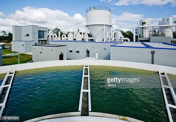 Mit Blick auf das Wasser-Tank-Top im Wasseraufbereitungsanlage