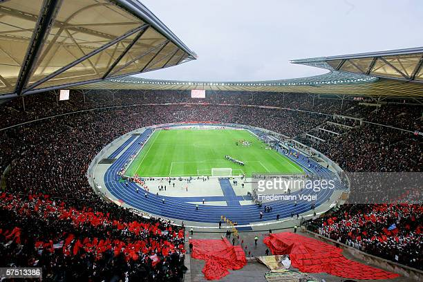 Overview during the DFB German Cup final between Bayern Munich and Eintracht Frankfurt at the Olympic Stadium on April 29 2006 in Berlin Germany