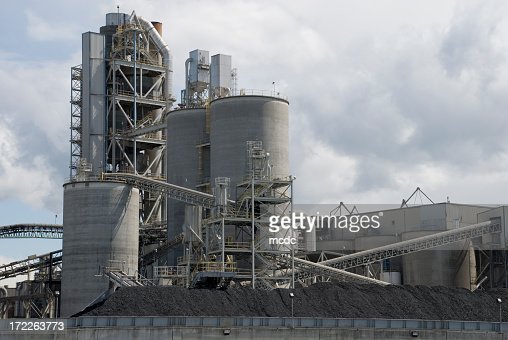 Huge Cement Plant : Overview of large concrete plant stock photo getty images