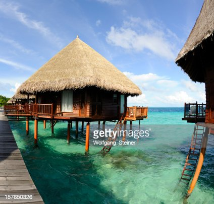 Overwater-Bungalow an the beautiful turquoise water