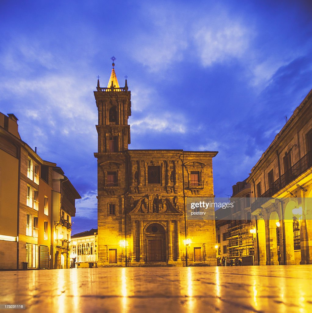Oviedo old town by night.