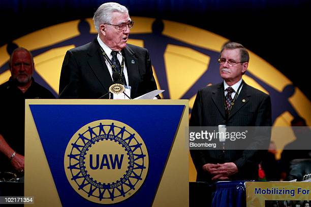 Owen Bieber president of the United Auto Workers union from 19831995 left speaks about outgoing UAW president Ron Gettelfinger during the UAW 35th...