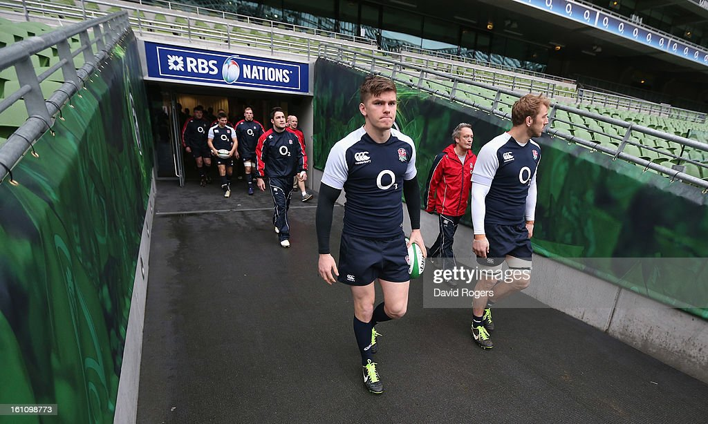 <a gi-track='captionPersonalityLinkClicked' href=/galleries/search?phrase=Owen+Farrell&family=editorial&specificpeople=4809668 ng-click='$event.stopPropagation()'>Owen Farrell</a> (L) and England captain <a gi-track='captionPersonalityLinkClicked' href=/galleries/search?phrase=Chris+Robshaw&family=editorial&specificpeople=2375303 ng-click='$event.stopPropagation()'>Chris Robshaw</a> lead out the team during the England captain's run at the Aviva Stadium on February 9, 2013 in Dublin, Ireland.