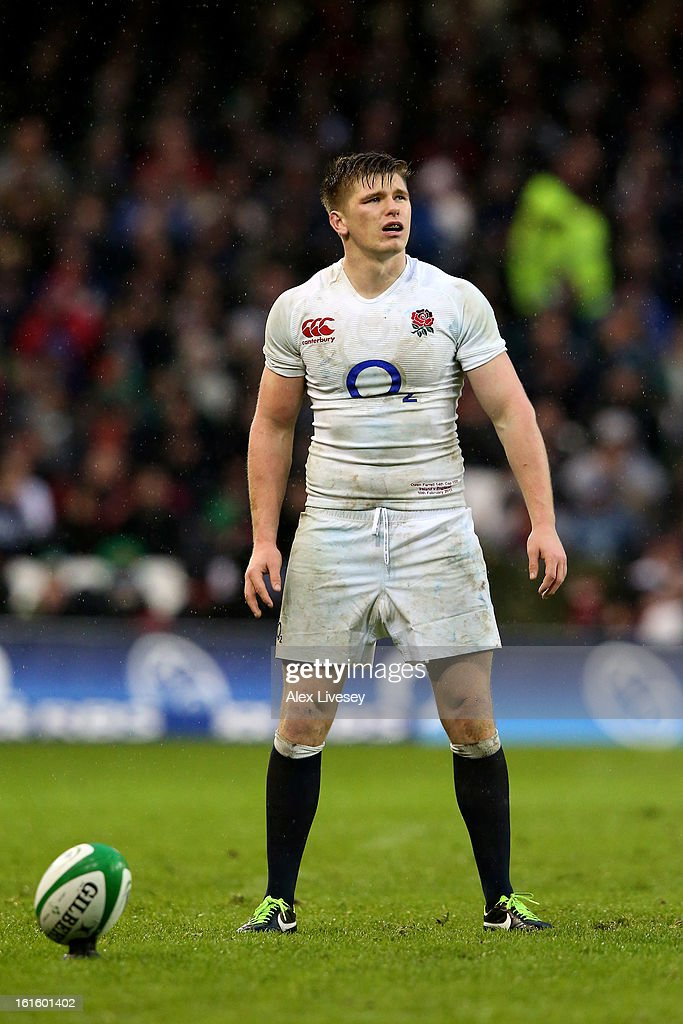 Owen Farrell of England lines up a kick on goal during the RBS Six Nations match between Ireland and England at Aviva Stadium on February 10, 2013 in Dublin, Ireland.