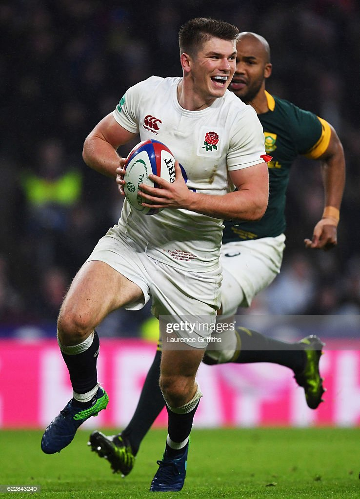 Owen Farrell of England runs with the ball to score his team's fourth try during the Old Mutual Wealth Series match between England and South Africa at Twickenham Stadium on November 12, 2016 in London, England.