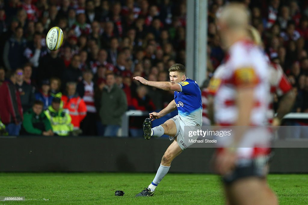 <a gi-track='captionPersonalityLinkClicked' href=/galleries/search?phrase=Owen+Farrell&family=editorial&specificpeople=4809668 ng-click='$event.stopPropagation()'>Owen Farrell</a> of Saracens converts the winning penalty during the Aviva Premiership match between Gloucester and Saracens at Kingsholm Stadium on October 23, 2015 in Gloucester, England.
