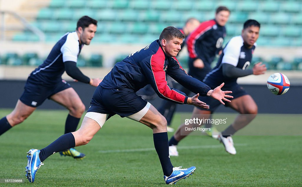 <a gi-track='captionPersonalityLinkClicked' href=/galleries/search?phrase=Owen+Farrell&family=editorial&specificpeople=4809668 ng-click='$event.stopPropagation()'>Owen Farrell</a>, the England standoff, catches the ball during the England captain's run at Twickenham Stadium on November 30, 2012 in London, England.