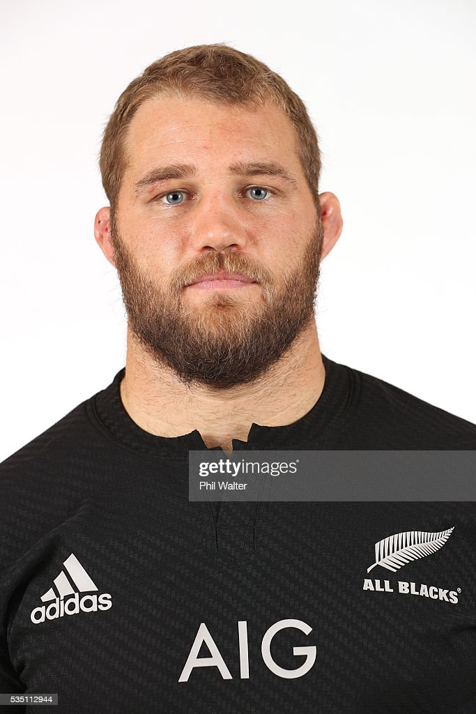 <a gi-track='captionPersonalityLinkClicked' href=/galleries/search?phrase=Owen+Franks+-+Rugbyspieler&family=editorial&specificpeople=5509808 ng-click='$event.stopPropagation()'>Owen Franks</a> of the All Blacks poses for a portrait during a New Zealand All Black portrait session on May 29, 2016 in Auckland, New Zealand.